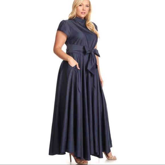😍RESTOCKED😍 H•P Beautiful denim maxi dress. Boutique